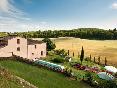 Photo for ALL PROPERTY RENTAL - Charming Tuscan Villa with pool, hot tub, A/C,Siena 15 km