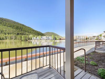 Photo for Beautifully Remodeled Condo on a Serene Lakefront Location!