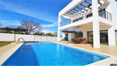 Photo for Villa with Swimming Pool