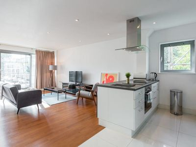 Photo for Contemporary 2 bed flat in the heart of Islington