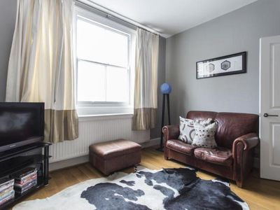Photo for 3BR Villa Vacation Rental in London