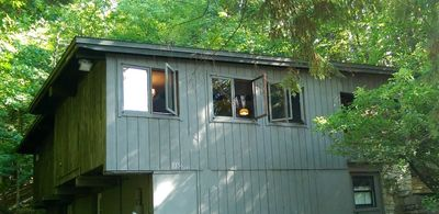 Tranquillity in the woods of Old Mission Peninsula in a secluded guest house