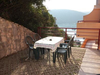 Photo for One bedroom apartment with terrace and sea view Luka Krnica (Marčana)