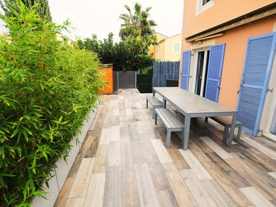 Photo for Beautiful renovated house 200m from the beach and port, 8 to 10 air-conditioned beds!