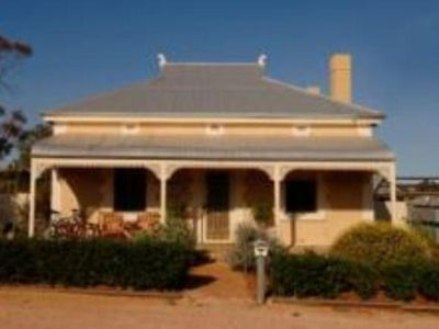 CONYNGHAM COTTAGE - located at Gladstone SA. Southern Flinders Ranges.