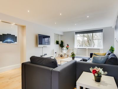 Photo for Luxurious 3 Bedroom Apartment in Central London - Next to tube station