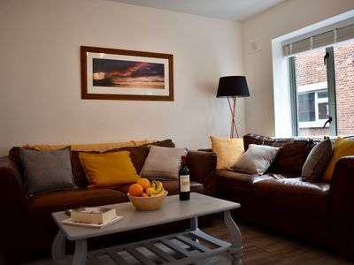 Photo for Refurbished 2 Bedroom Apartment in Templebar