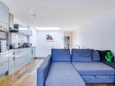 Photo for Cosy 1bed sleeps 4 in King's Cross/10 mins to tube