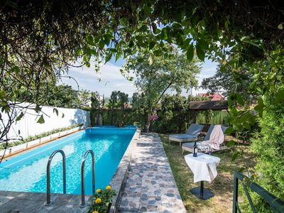 Photo for Holiday home with heated outdoor swimming pool up to 12 persons