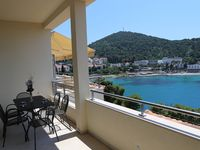 Fantastic location, beautiful and very comfortable apartment.