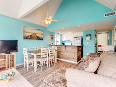 Photo for Shared pools, hot tub, sauna, tennis courts & more at this beachy condo!