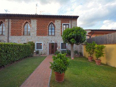Photo for Casa Zara is typically Tuscany immersed in the countryside, but only 5km from the center