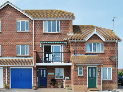 Photo for 3 bedroom accommodation in Clacton-on-Sea
