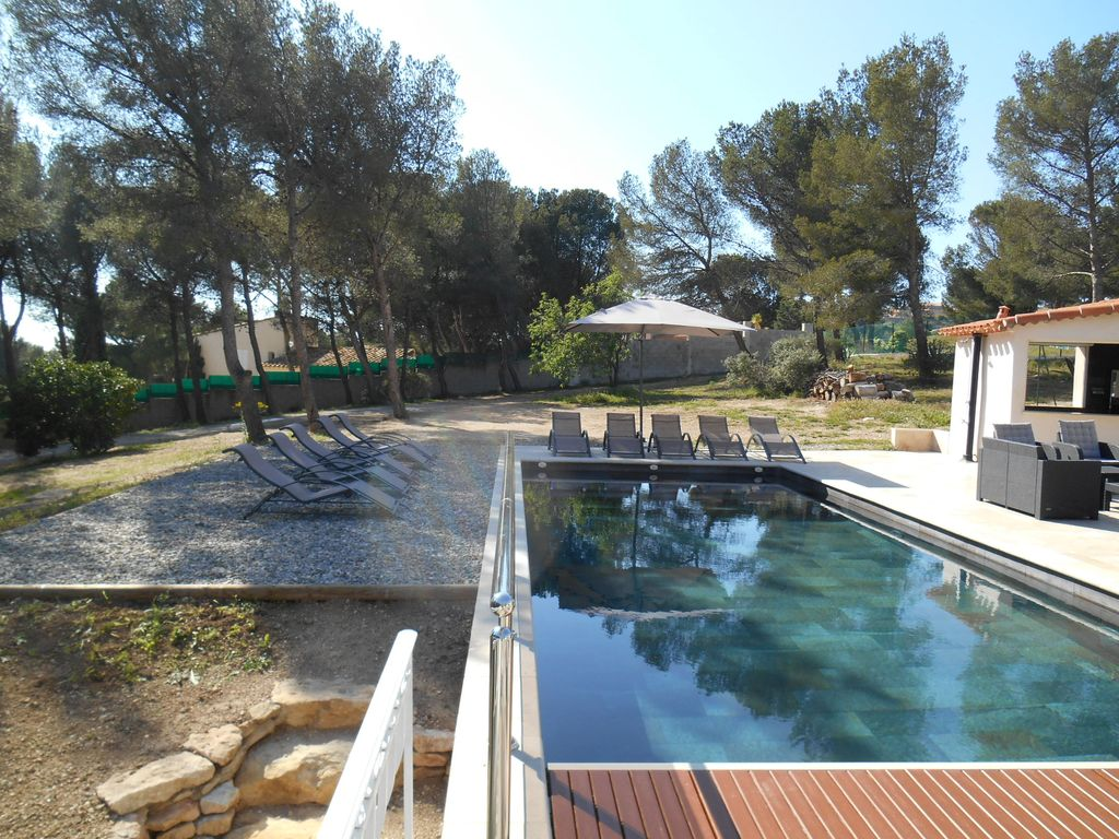 Design 300m2 villa heated pool seaside 3500m2 of land for Achat maison carry le rouet