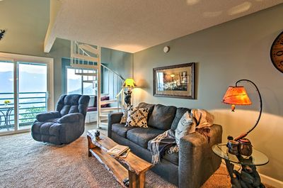 Venture with your group of 8 to Gatlinburg for a comfortable stay.