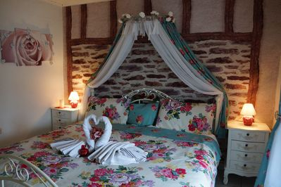 2nd romantic bedroom