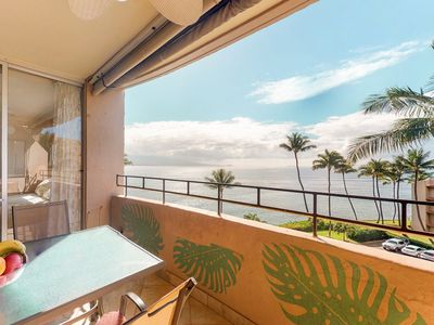 Photo for Top floor ocean front condo with sweeping ocean views, lanai, partial A/C