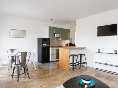 Photo for Delightful 2 Bedroom Apartment