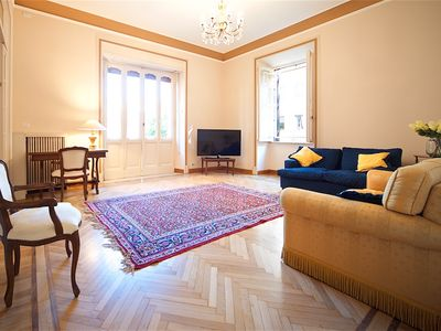 Photo for LARGE APARTMENT TRASTEVERE VIALE GLORIOSO