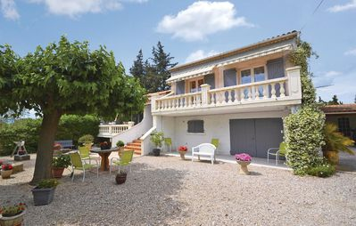 Photo for 2 bedroom accommodation in Carpentras