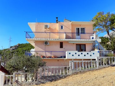 Photo for One bedroom apartment with balcony and sea view Makarska (A-18145-a)