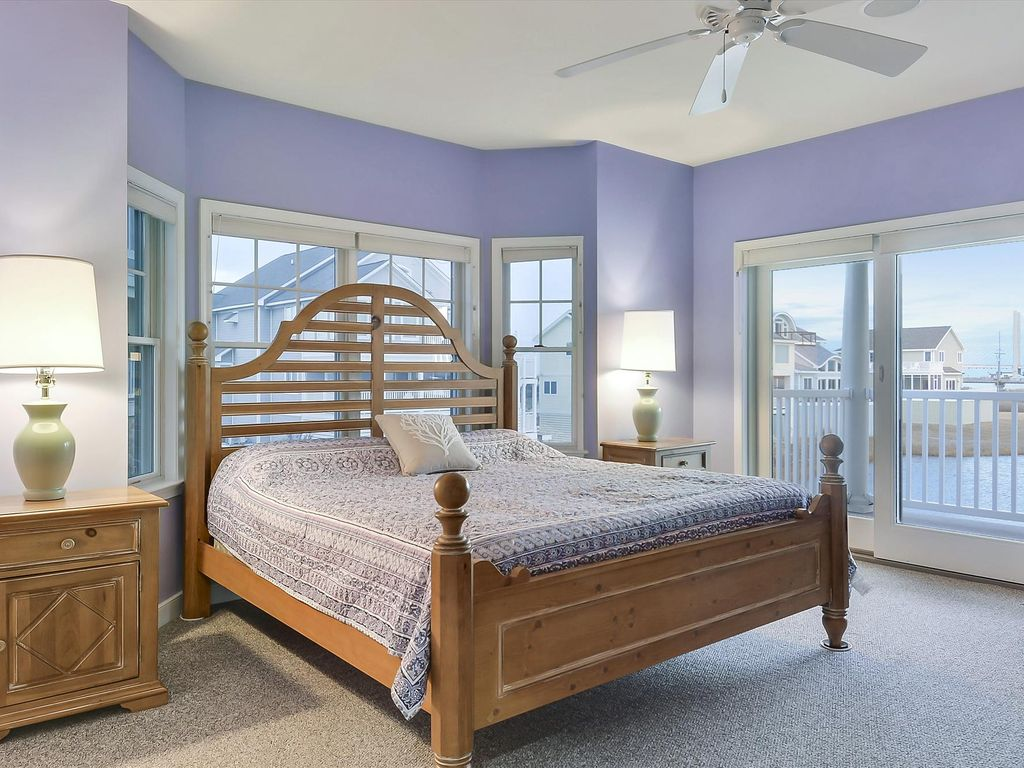 FREE DAILY ACTIVITIES!  Exceptional vacation beach home is brimming with casual elegance and just perfect for families traveling together!