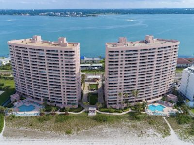 Beachfront, Clearwater Beach, Sand Key Crescent Beach-Club- Unique Modern Condo