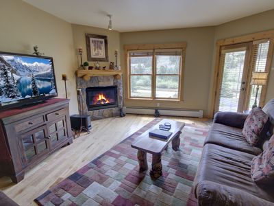 Photo for Tenderfoot Lodge 2613 is a 2 bedroom condo recently updated with hardwood floors and granite countertops and within a walking distance to the slopes, makes this place the perfect place to stay!