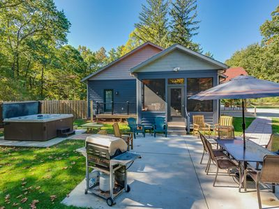 SANDY PINES: Private Pool - Hot Tub - Fire Pit - Outdoor Shower
