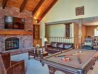 Great home for a family gathering!