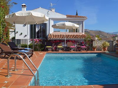 Photo for Superb 4 bedroom villa overlooking the bustling Spanish town of Almuñecar