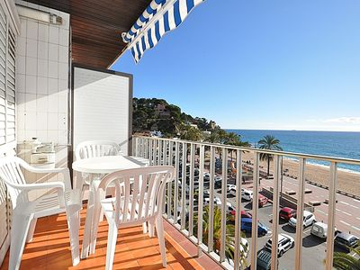 Photo for Apartment Plus in 1 line with Sea View. 2/4 people. WIFI.