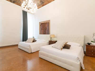 Photo for Venice Luxury Palace 3 - Apartment for 10 people in Venice