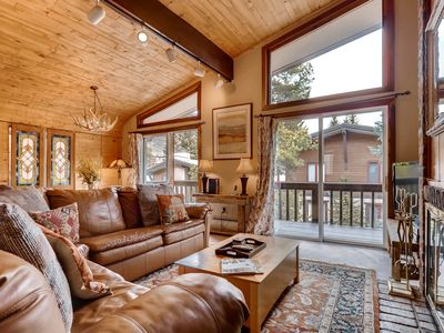 Photo for Walk to Golden Pk Ski School. Vaulted Ceiling, Fireplace | All Seasons C2