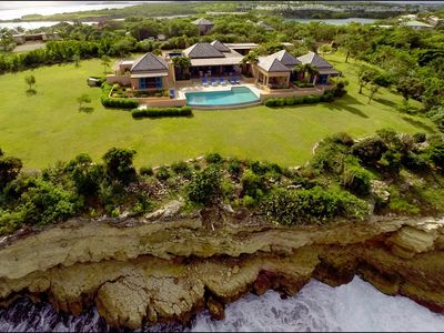 Photo for Luxury Oceanfront Villa with Spectacular Views and Infinity Pool, Close to Beach