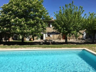 Photo for Mas in Pertuis, 4 bedrooms, swimming pool. House of 200 m2 for 8 people