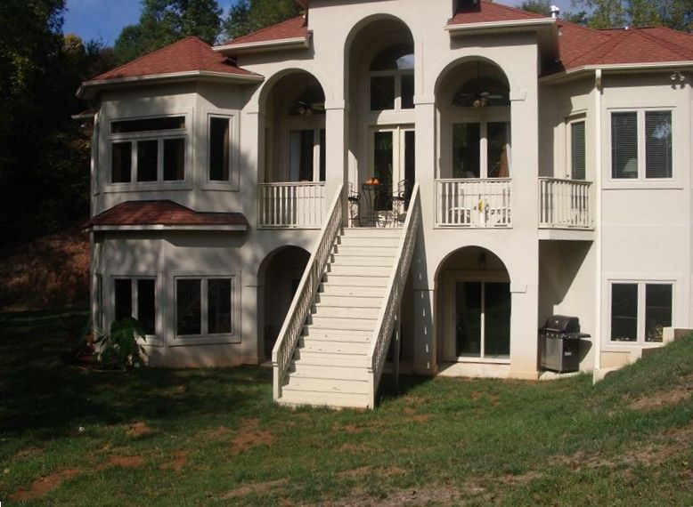 Lakeside villa charlotte nc homeaway belmont for The dog house charlotte nc