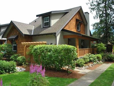 Photo for 2BR Cottage Vacation Rental in Lindell Beach, BC