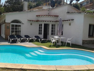 Photo for Individual house Completely flat plot with private pool
