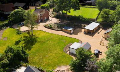 Photo for 20% off Cottage with Covered  Hot Tub 38C sleeps 6,New Forest National Park