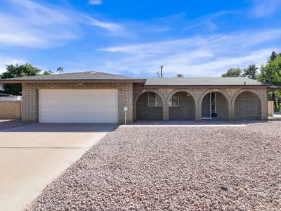 Photo for The Tempe Escape *Spacious 4 bedrooms w/ pool*