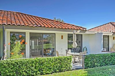 This home is situated right on the Omni Rancho Las Palmas Resort golf course!