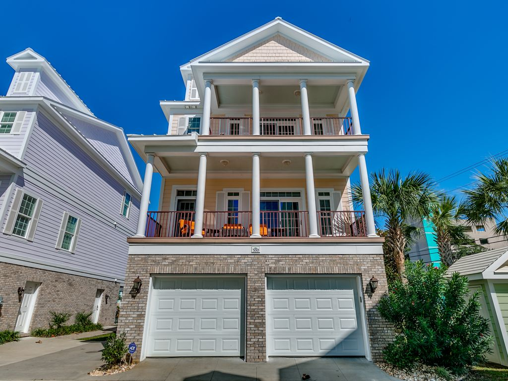 Beautiful five bedroom beach house with elevator in the for Beach house elevator