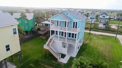 New Luxury Seaside Retreat, Elevator, Located 1 Blk from the Beach
