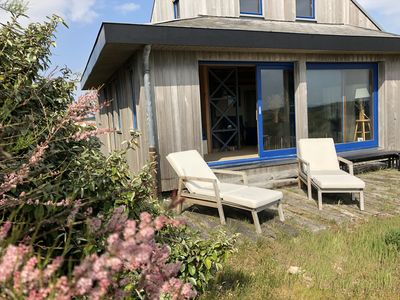 Photo for Wooden house on the dune with exceptional views of the Bay of Somme.