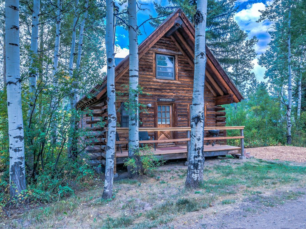 Discounted lift tickets and skis secluded historical for Cabins in steamboat springs