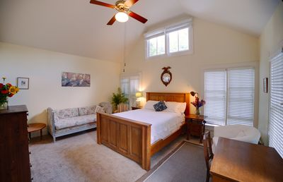 Photo for Private Studio And Kitchenette In Central Austin, Hyde Park