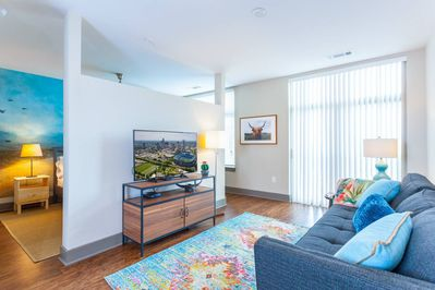 Living Room - TV equipped with Roku, Cable Channels via Sling TV, Netflix and more!