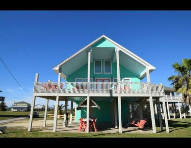 Photo for Ocean views off the deck of this 3rd row Crystal Beach home!