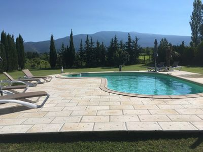 Photo for Villa with beautiful view of Mont Ventoux, 2 km from the center of Bédoin.
